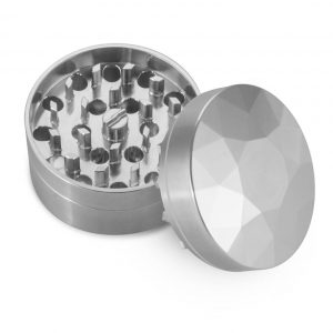 The Brilliant Cut Grinder - Coarse - Top view - Silver